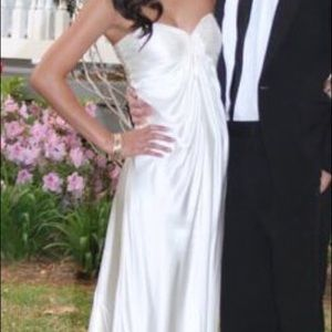 Beautiful white ivory gown dress